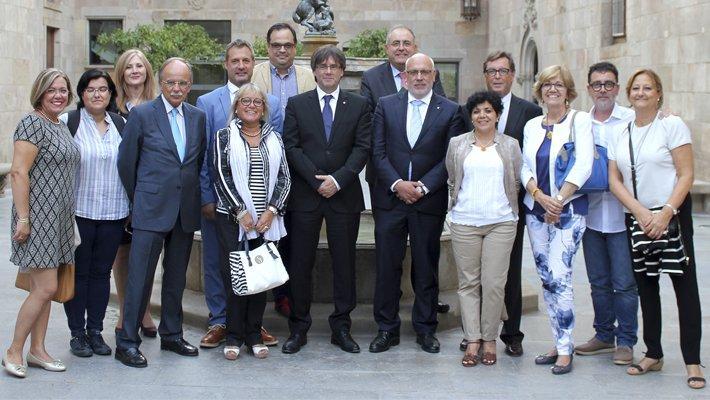 Puigdemont anima la UEP a continuar treballant a favor de la recuperació econòmica del Penedès